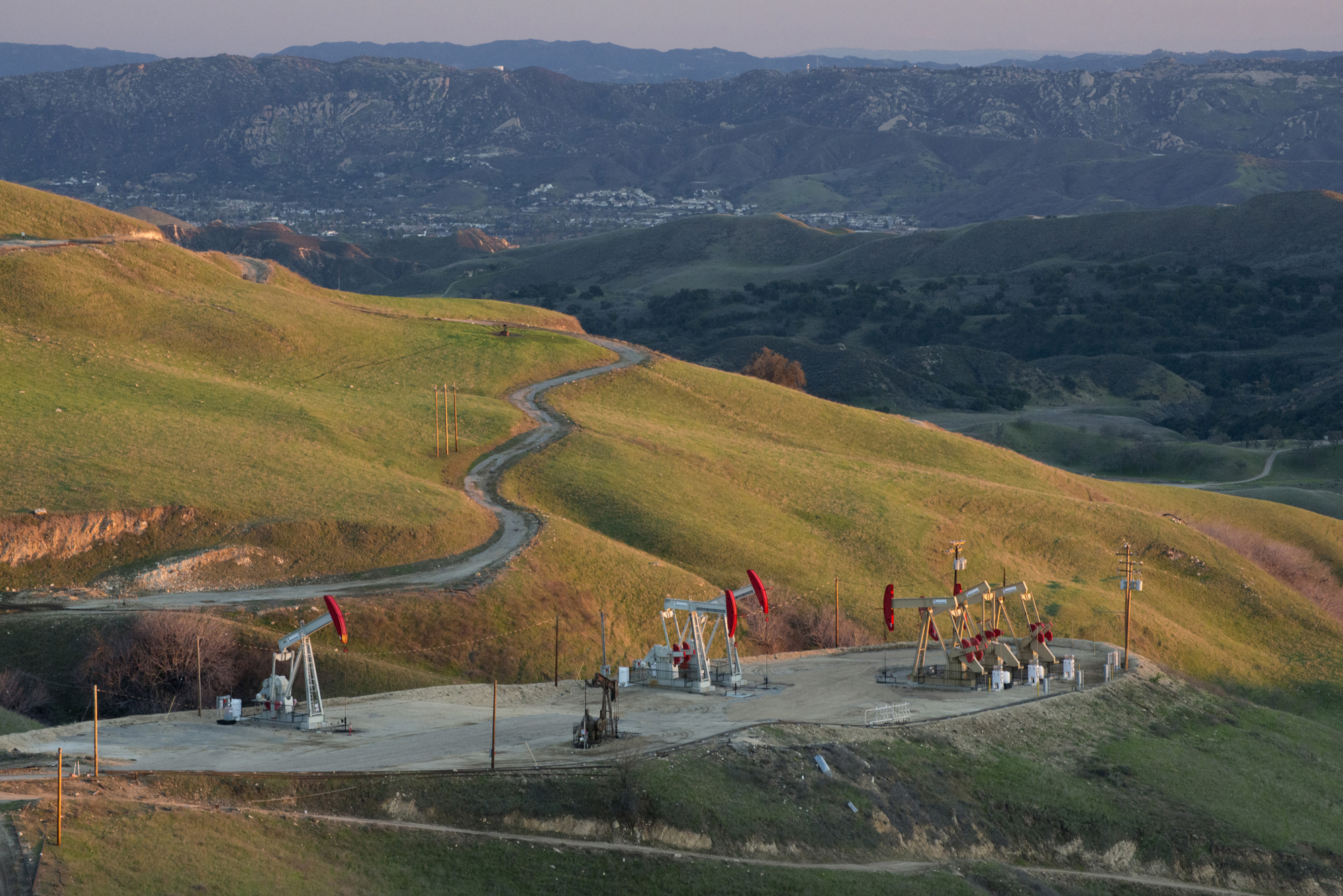 The history of oil and gas in California is one of growth and prosperity.